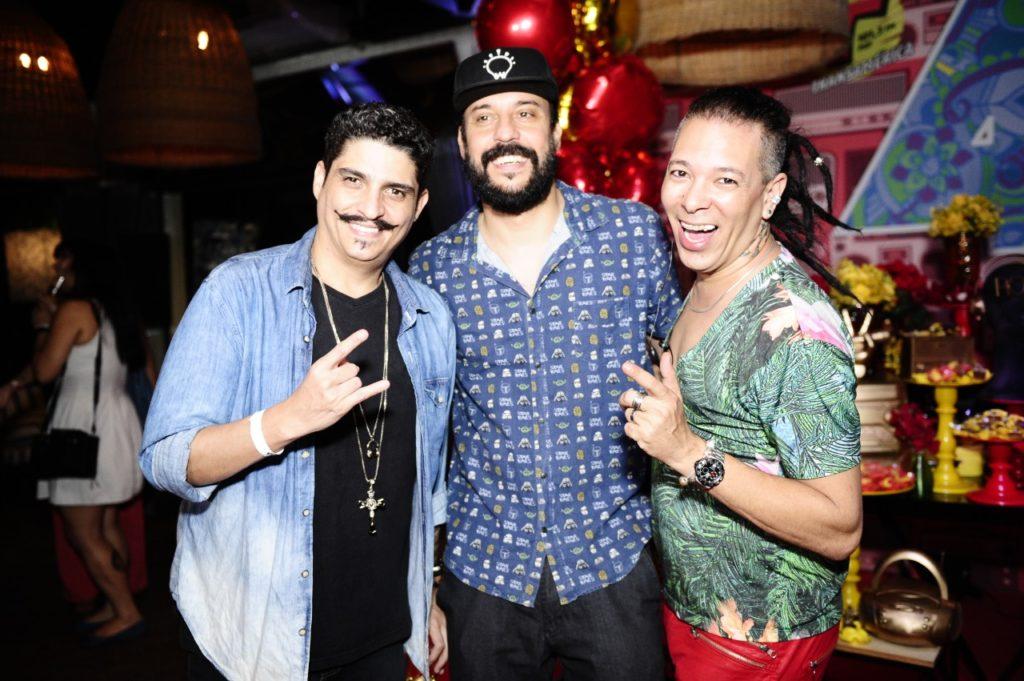 Famosos prestigiam festa da rádio transamérica