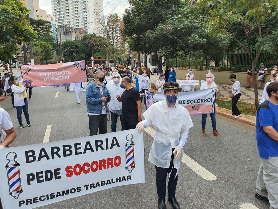 103597435 1139771229734309 3691643259526703164 o - Sindicato Pró-Beleza, através do presidente Márcio Michelasi e do vereador Zé Turin, lidera manifestação na Câmara Municipal de São Paulo em prol do retorno do funcionamento dos salões de beleza