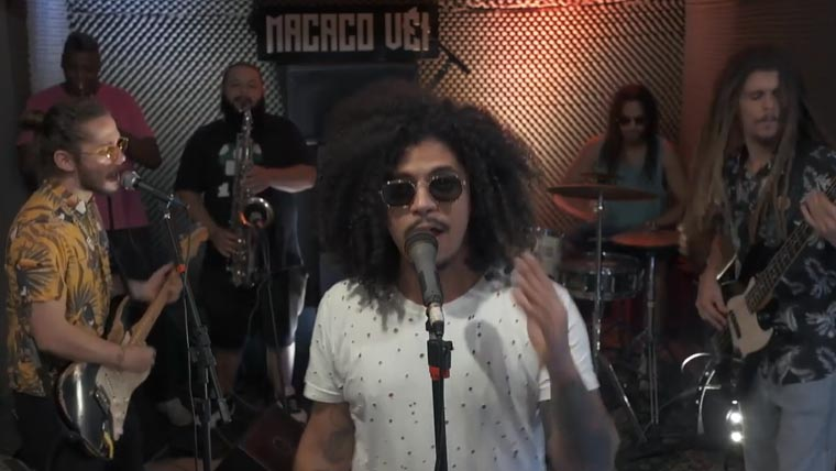 """Com muito groove a banda mineira Macaco Véi apresenta versão dub de """"Guerreiro"""""""